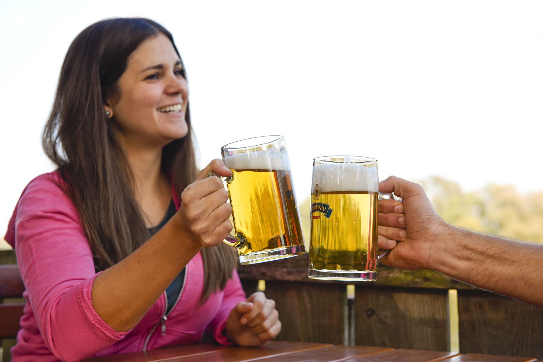 Ein Prosit auf die Biergärten im Bayerischen Golf- und Thermenland