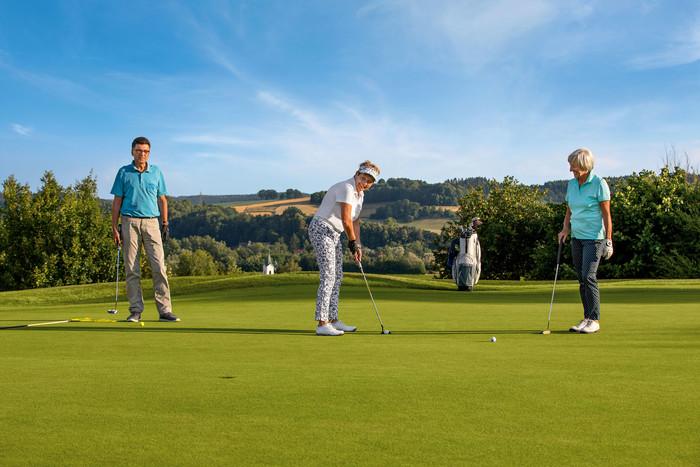 """Voller Vorfreude blicken die Freunde des Golfsports auf die zweite Ausgabe der """"Rottaler Bäderdreieck Golfwoche"""" im nächsten Jahr. Anmeldungen sind ab sofort möglich."""