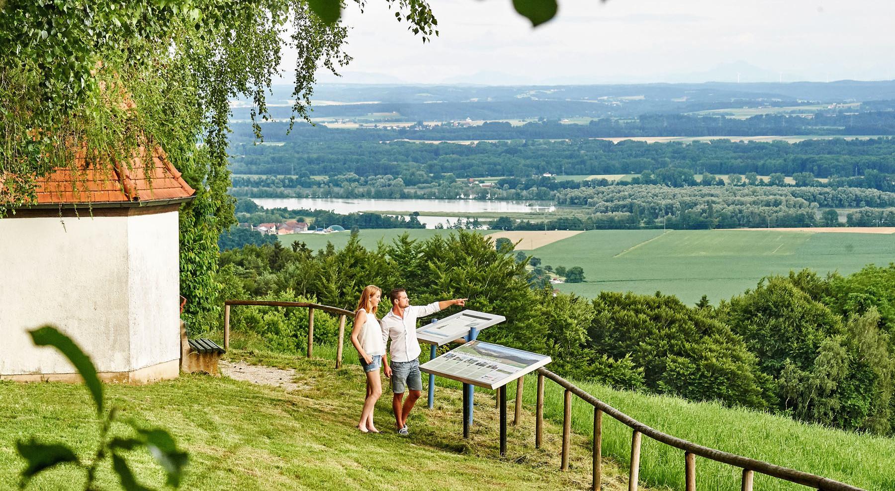 """Ausblick über das  """"Europareservat Unterer Inn"""" in der Ferienregion Rottal-Inn"""