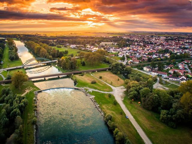 Die Isarwelle bei Plattling im Deggendorfer Land