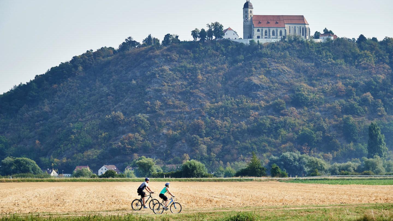 Blick auf den Bogenberg im Urlaubsland Straubing-Bogen